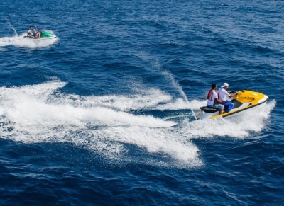 Lake of the Ozarks Boat and Wave Runner Rentals